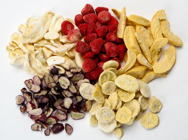 Ăn trái cây sấy khô có béo không?